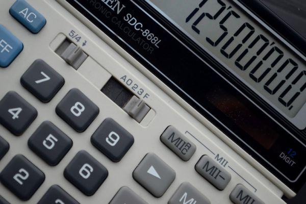 \Bank Jatim Kantongi Laba Rp300,9  M\