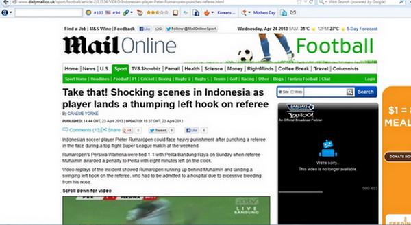 Salah satu media asing menulis kasus pemukulan wasit di Indonesia.(foto:Cap)
