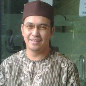 Uje & Pipik Kompak Bisnis Busana Muslim
