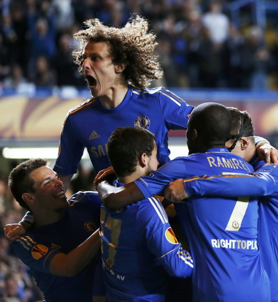 David Luiz dkk. merayakan kemenangan 3-1 atas Basel pada semifinal EL/Reuters