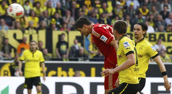 Penalti Lewandowski Gagal, Dortmund Tertahan