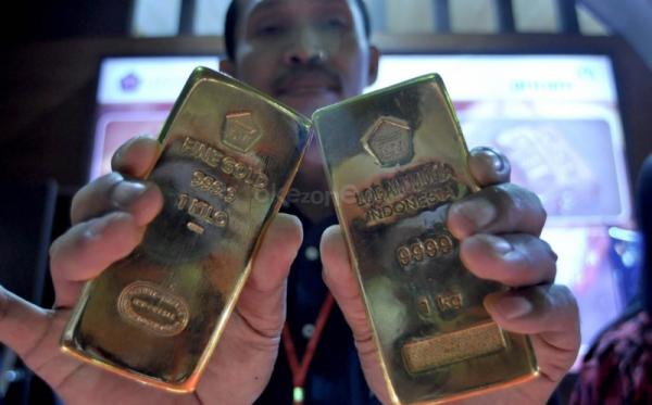 \Harga Emas Global Turun USD2,78\