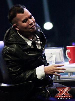 Ahmad Dhani jadi juri X Factor Indonesia (Foto: Luthfi/okezone)