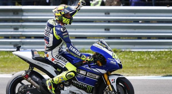 Selebrasi Rossi di kemenangan pertamanya pada musim ini. (Foto: Reuters)
