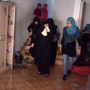 Biar Dekat dengan Anak, Istri Uje Buka Butik di Rumah