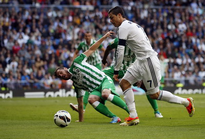Betis vs Madrid musim lalu. (Foto: Reuters)