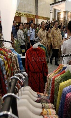 Ani Yudhoyono Beli Batik Rp6,5 Juta di GBN 2013