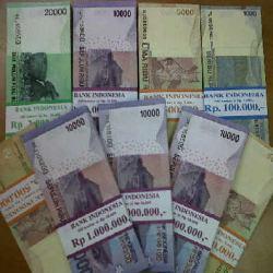 \Di Mana Tukar Uang Receh untuk Lebaran?\