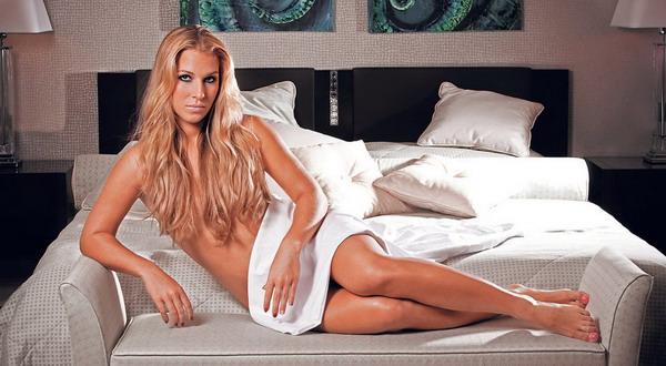 Dominika Cibulkova difoto tanpa busana untuk majalah FHM/Ist