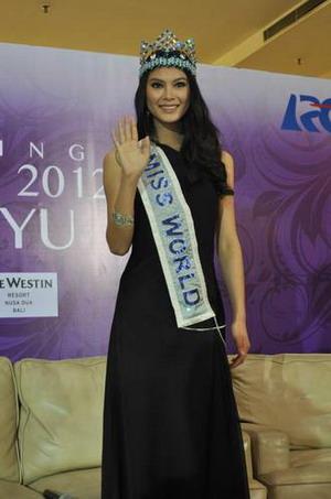 Kenangan Wenxia Yu Saat Ikuti Miss World 2012