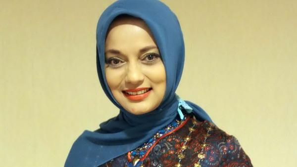 Twitwar dengan Addie, Marissa Haque Diminta Bugil