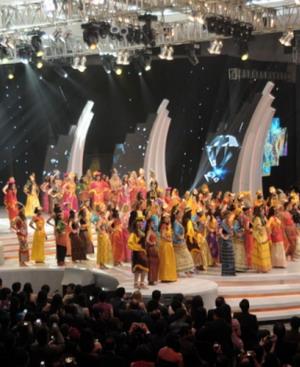 Penonton Miss World Terkesima Penari ''Api Shinta''