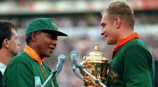 Nelson Rolihlahla Mandela & Jacobus Francois Pienaar (Foto: Reuters)