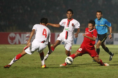 Pemain Timnas U-19 Muchlis Hadi (merah).(foto:Novan Jemmi/SINDO)