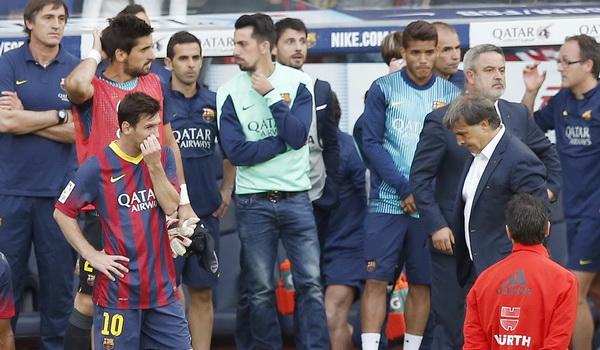 Ekspresi kecewa para pemain Barcelona. (Foto: Reuters)