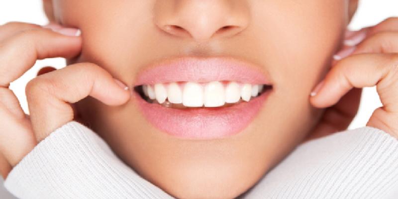 Gigi Tanggal Lebih Dini, Apa Penyebabnya?