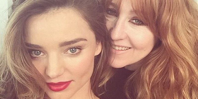 Miranda Kerr Tetap Cantik saat Selfie