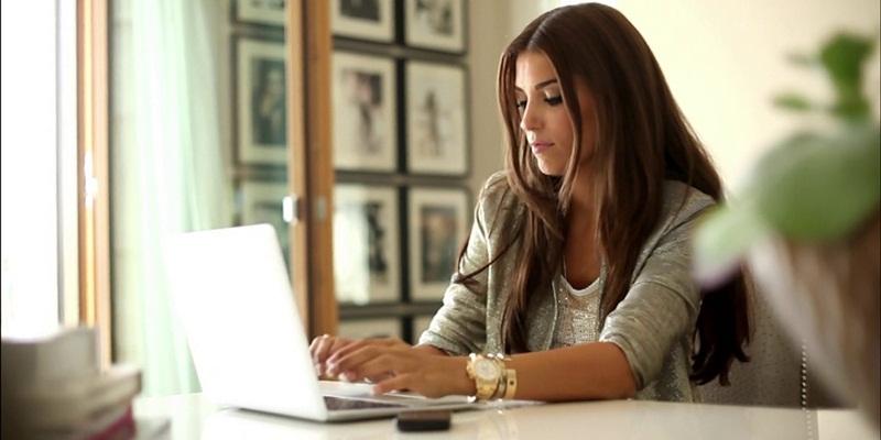 Tips Tetap Sehat Selama di Kantor