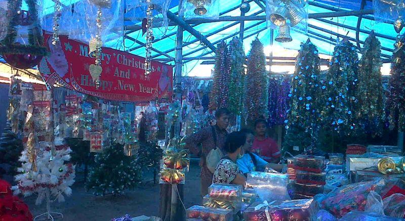 Mendulang Omzet Jutaan Rupiah dari Pernak Pernik Natal