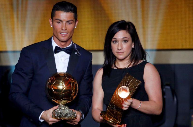 Nadine Kessler (kanan) bersama Cristiano Ronaldo dos Santos Aveiro di Gala Ballon d'Or (Foto: Ruben Sprich/REUTERS)