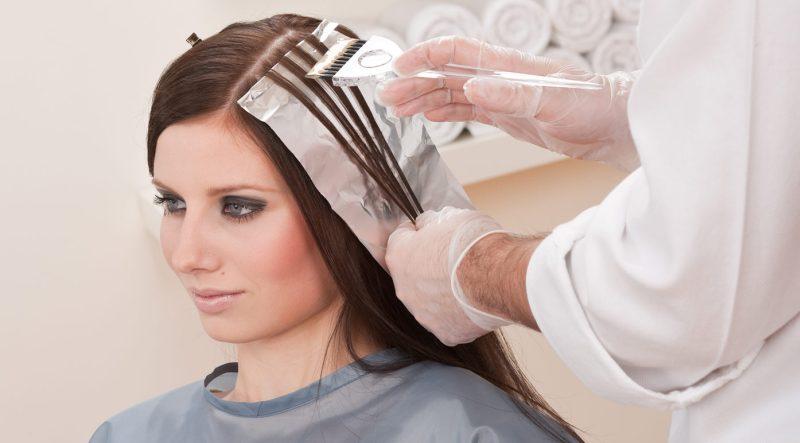 Bukan Salah Salon jika Rambut Rusak Usai Diwarnai