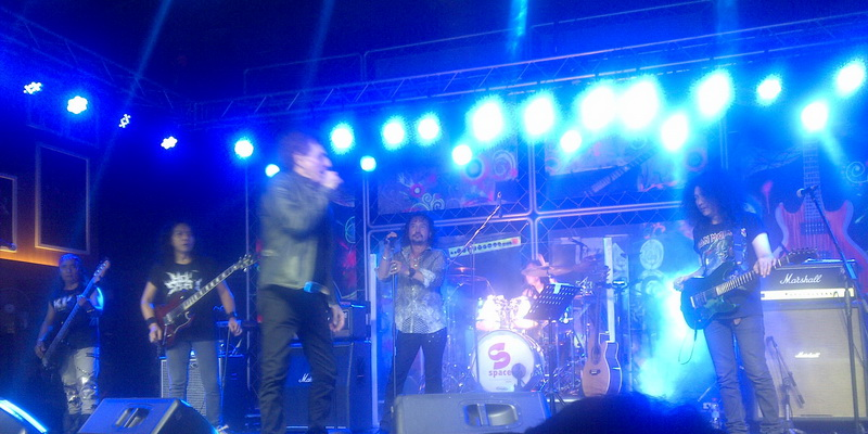 Ahmad Albar puji band ini (Foto: Emus)