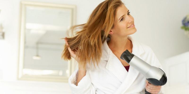 Bahayakah Sering Gunakan Hair Dryer dan Catok?