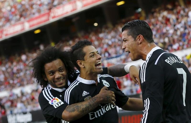 Javier Chicharito Hernandez, berharap Madrid tak memandang remeh Juve (foto: Reuters)