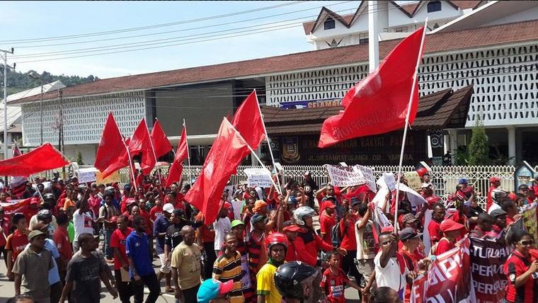 Masyarakat Papua melakukan demonstrasi (Foto: @PERSIPURA_)