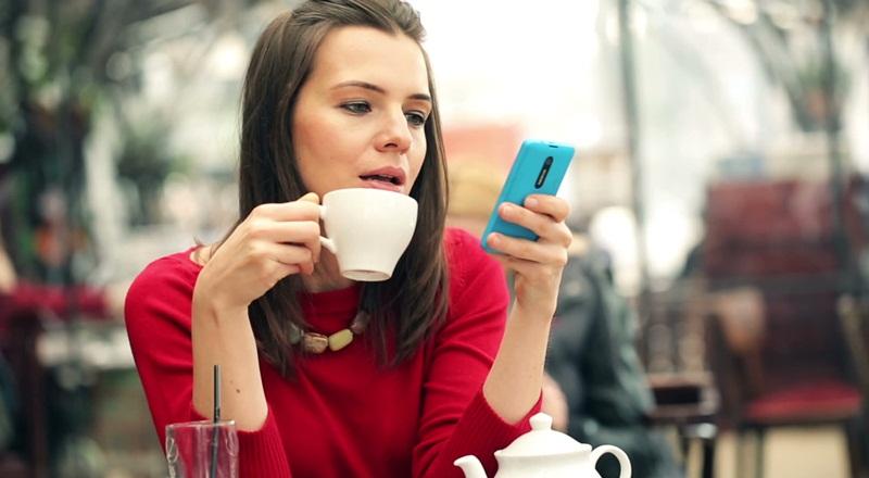 Galau Menunggu Balasan SMS Mantan Kekasih