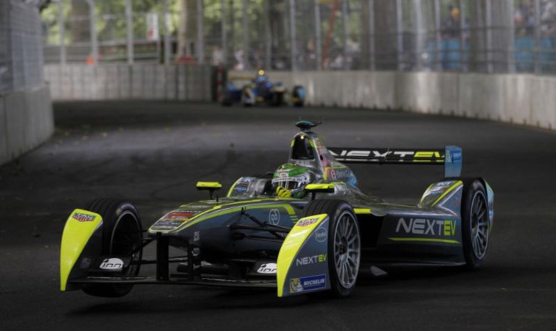 Bentuk salah satu mobil balap Formula E. (Foto: AFP/Ian Kington)