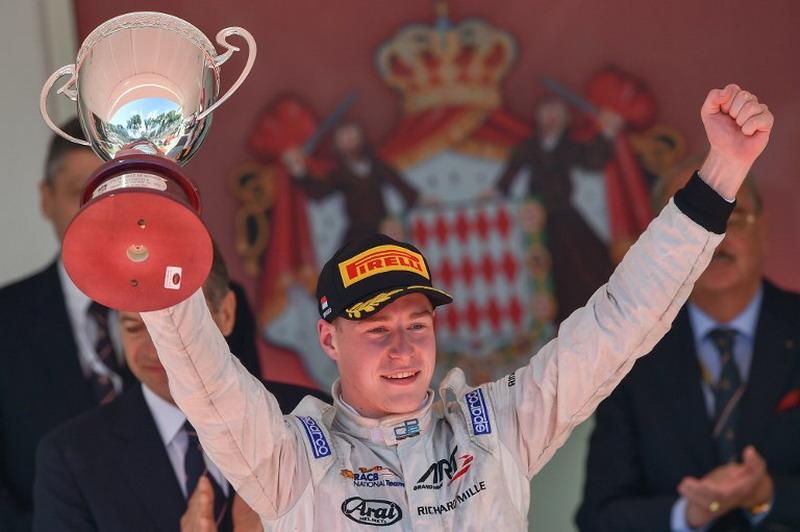 Vandoorne siap tampil di F1. (Foto: AFP/Andrej Isakovic)