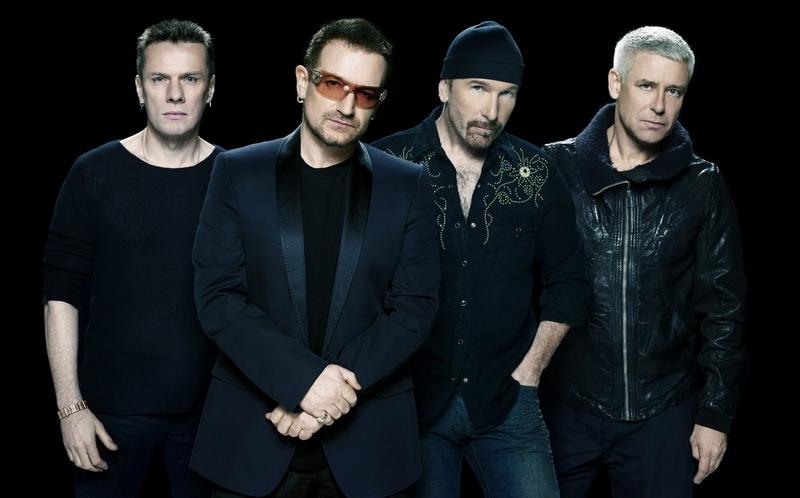 Para personel U2 (Foto: Thehoopsnews)