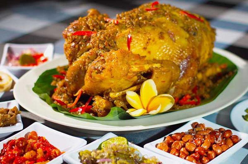 Resep Ayam Betutu Khas Bali untuk Santap Malam