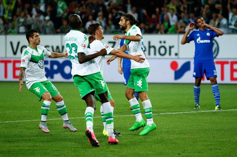 Wolfsburg Hancurkan Schalke