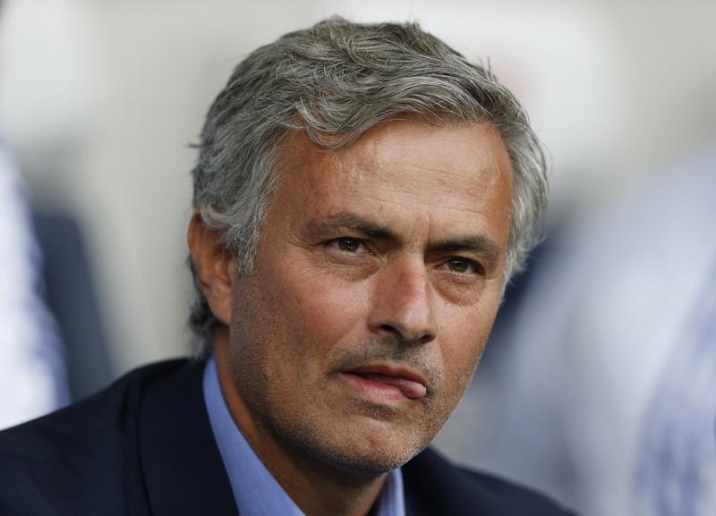 Mourinho tak tahu kenapa Chelsea bisa terpuruk. (Foto: REUTERS/Carl Recine)