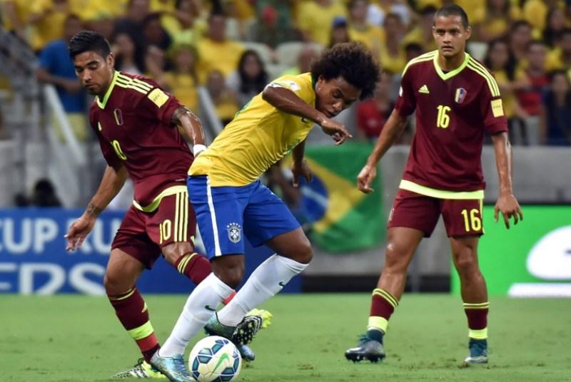 Willian (tengah) setara dengan Neymar