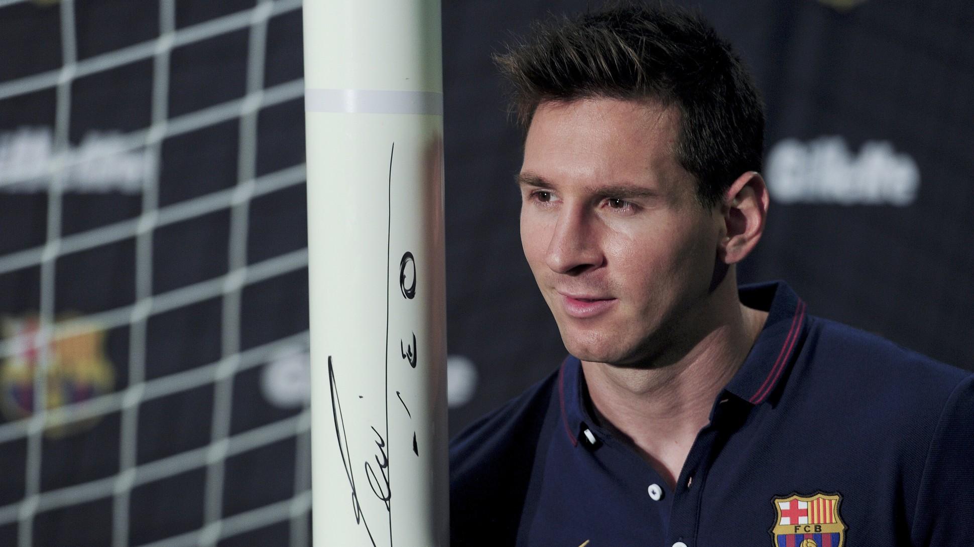 Messi tetap pempimpin lini depan Barca.