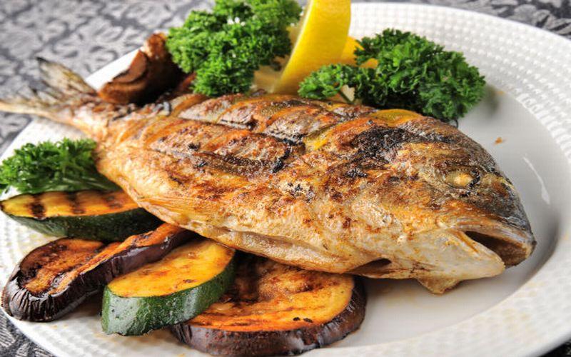 Ini Lho Manfaat dan Risiko Makan Ikan!