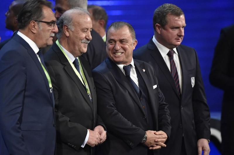 Fatim Terim (kedua dari kanan). (foto:AFP/Loic Venance)