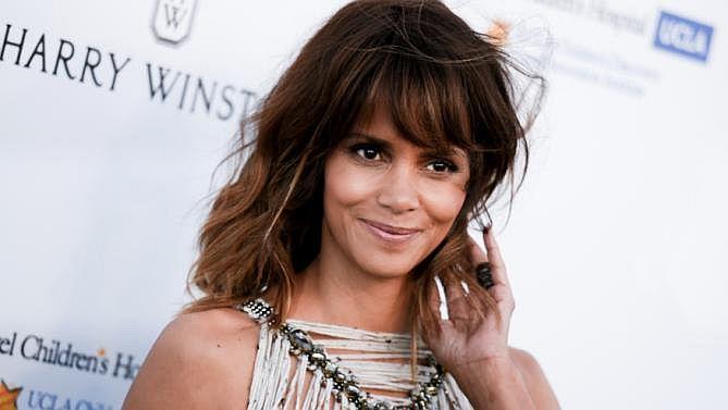 Halle Berry Sakit Hati pada Hollywood