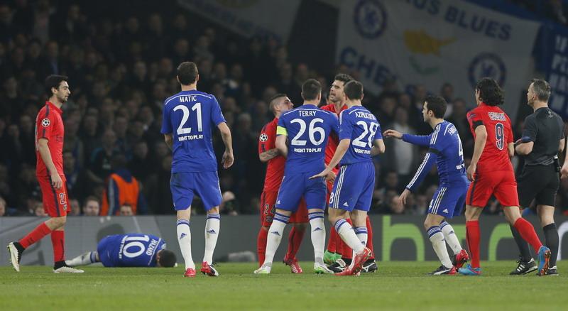 John Terry tak akan bermain melawan PSG (Foto: AFP)