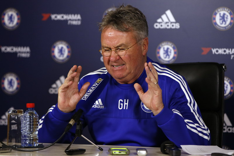Guus Hiddink diinginkan pemain Chelsea bertahan di Stamford Bridge (Foto: Paul Childs/Reuters)