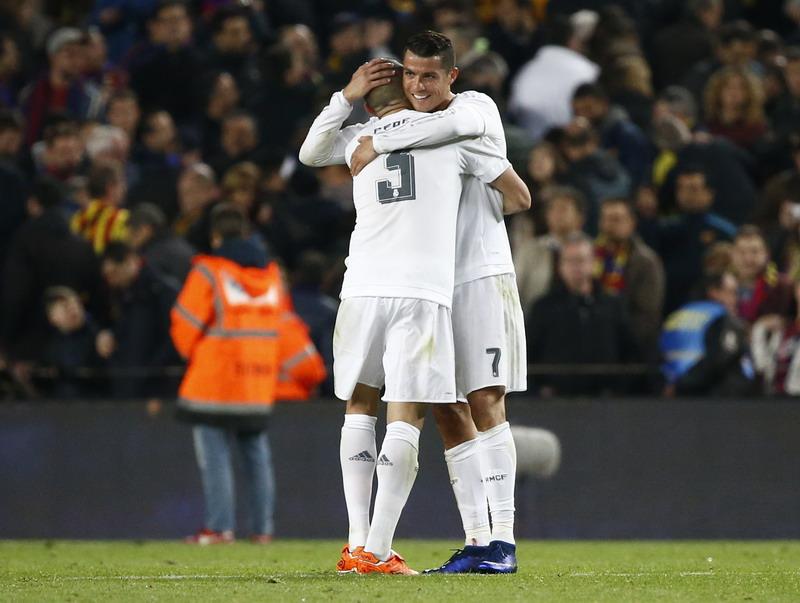 Pepe dan Ronaldo berhasil patahkan kritik. (Foto: REUTERS/Juan Medina)