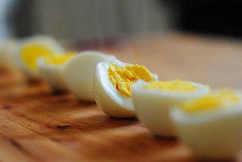 4 Manfaat Telur Rebus sebagai Teman Makan Siang