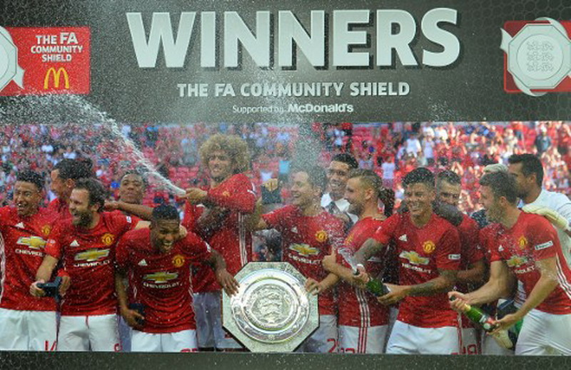 Sinyal kuat Man United juarai Liga Inggris 2016-2017. (Foto: AFP/Glyn Kirk)