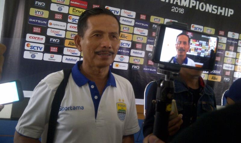 Pelatih Persib Bandung, Djajang Nurdjaman (Foto: Oris Riswan/Okezone)