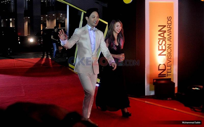 Jin Go Tampak Hadir di Red Carpet Indonesian Television Awards 2016. (Foto: MuhammadSubki/Okezone)