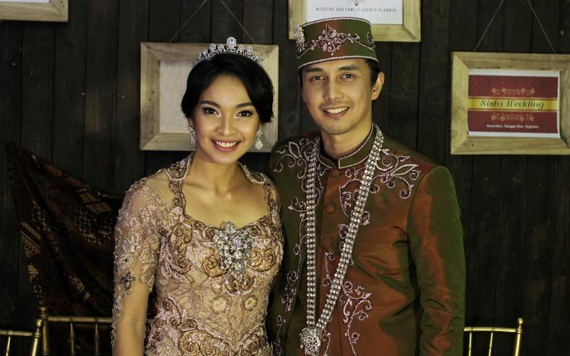 Pernikahan Dimas Aditya dan Tika (Foto: Ray/Okezone)