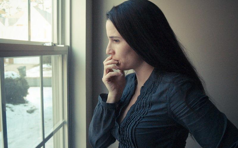 Depresi karena Tuntutan Menikah? Wanita Alami Gangguan Ini!